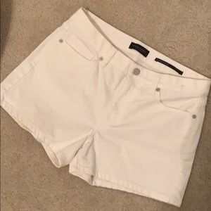 Banana Republic white jean short mid rise